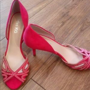Pink open toe shoes